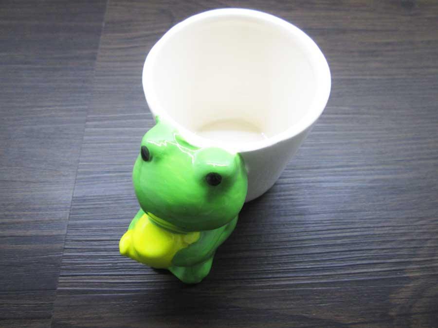 カエルの植木鉢