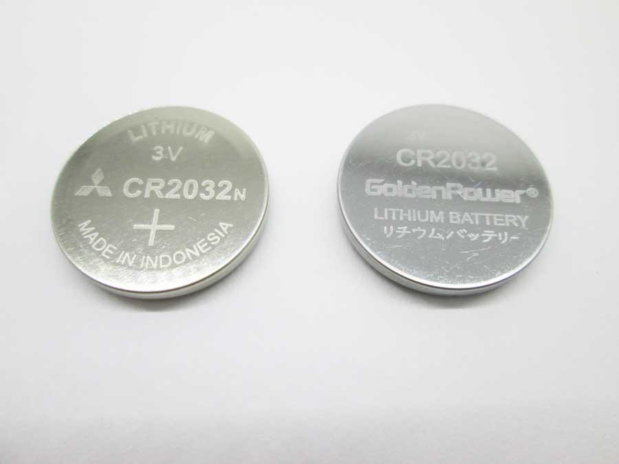 新旧2種類のCR2032
