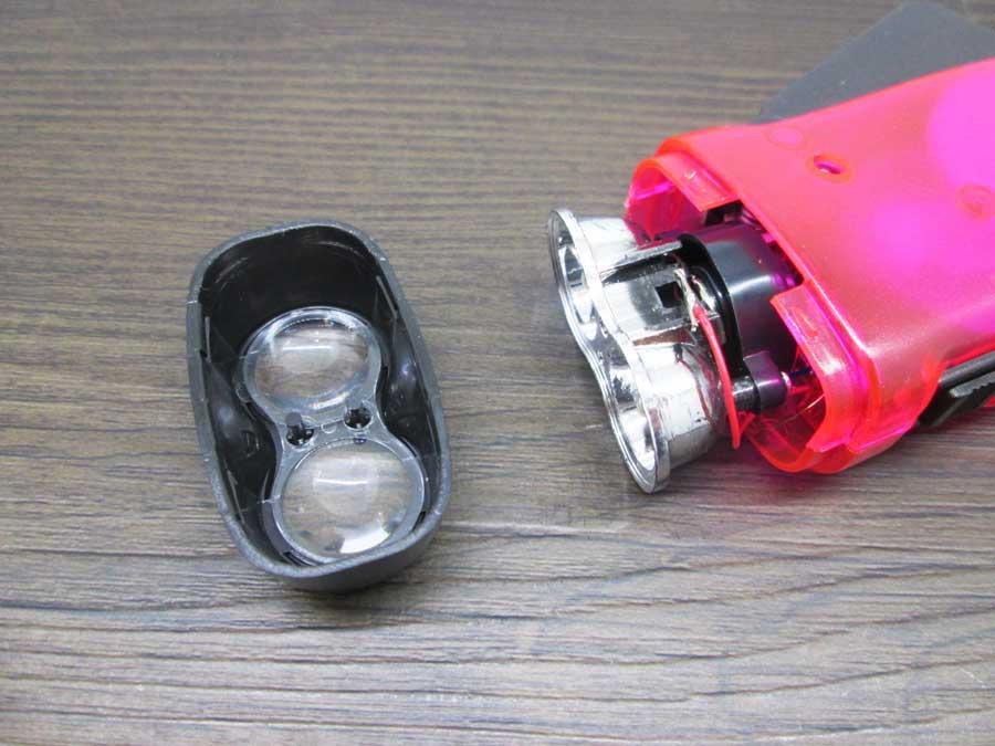 手動発電2LEDライト 分解1