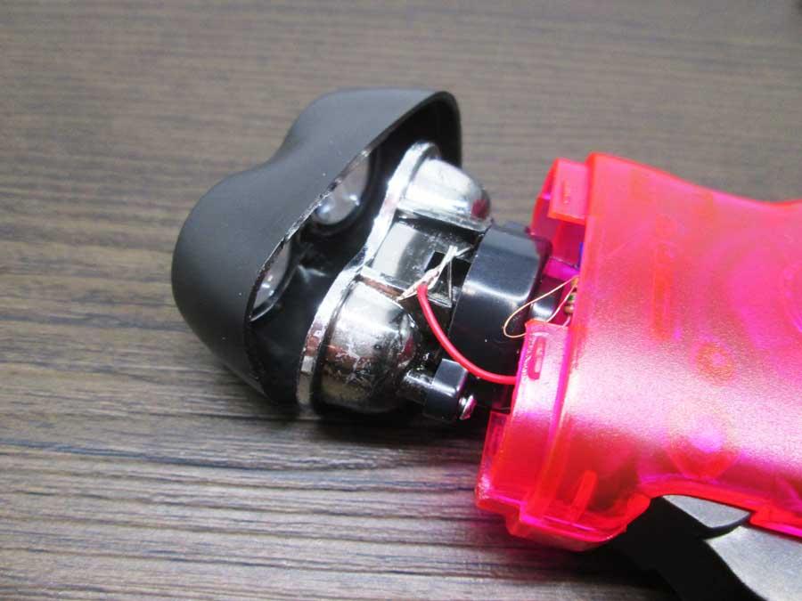 手動発電2LEDライト 電池交換