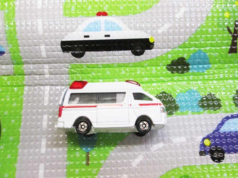 フロアークッションマット トミカ救急車
