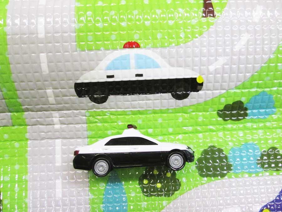 フロアークッションマット プチタウンパトカー