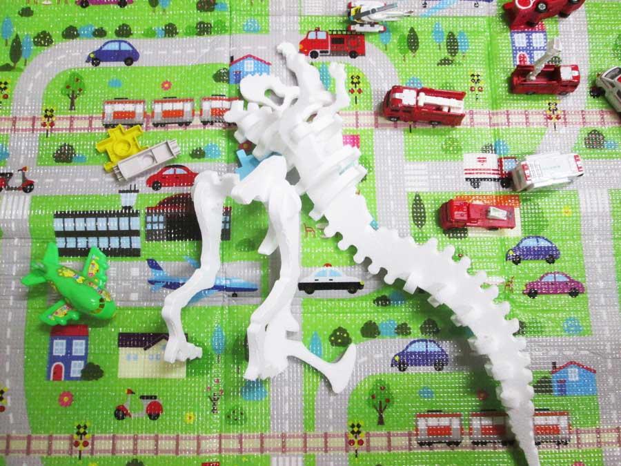 恐竜工作キット 破壊
