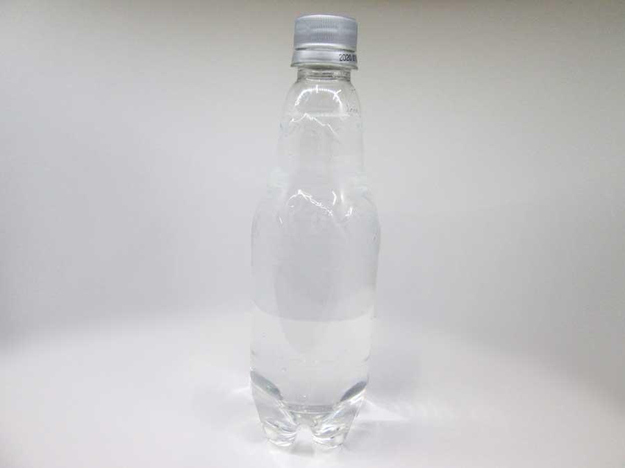 キッチンブリーチ ペットボトルに水を入れる