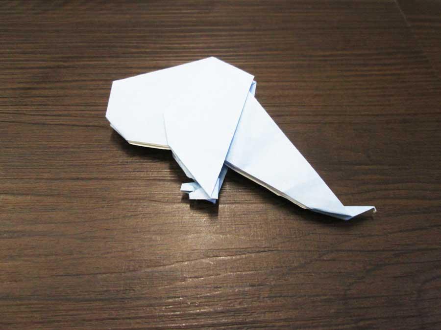 恐竜折り紙 トリケラトプス 体25