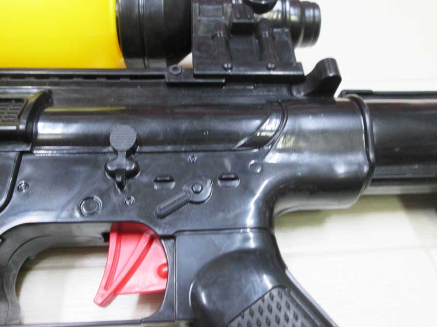 水鉄砲修理 DAISO M4 アップ