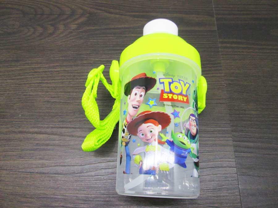 セリア toy story 水筒 中身1