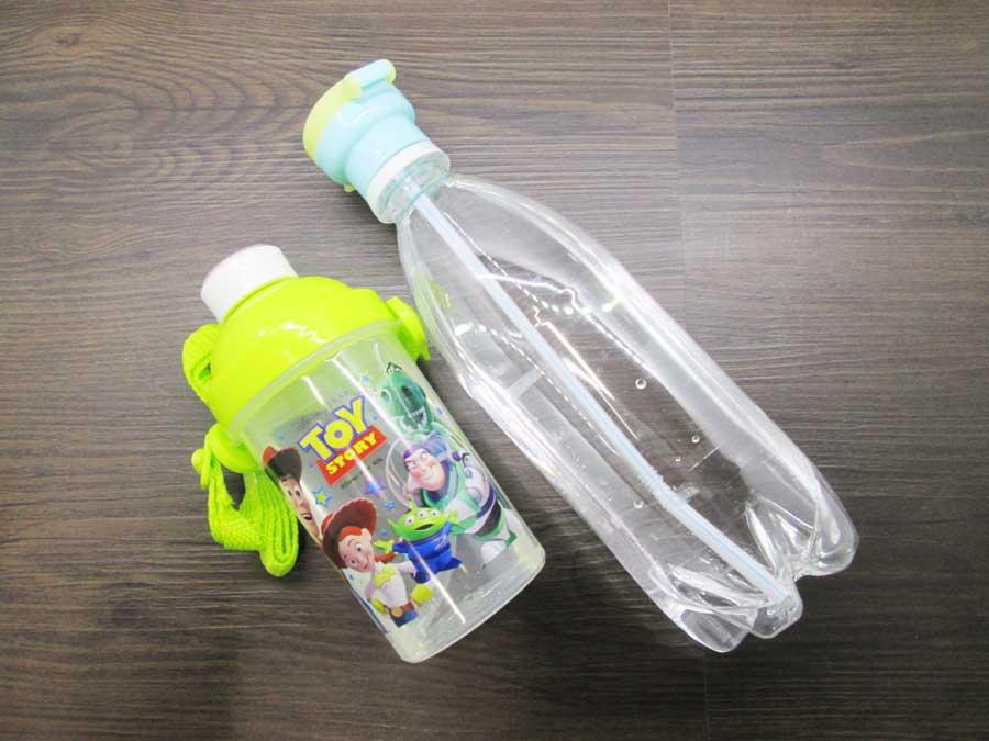 セリア おでかけ用ストローキャップ toy story 水筒