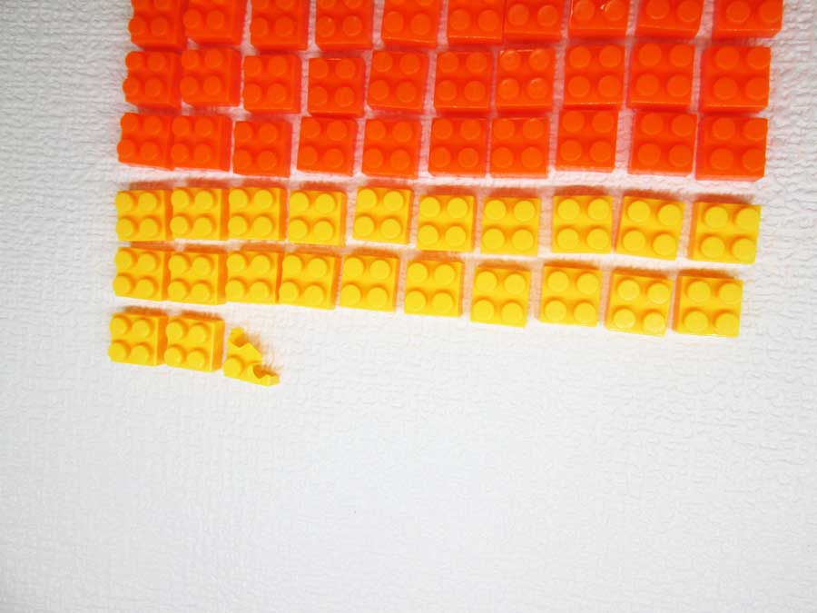 DAISO 300円 ブロック 2×2 黄色