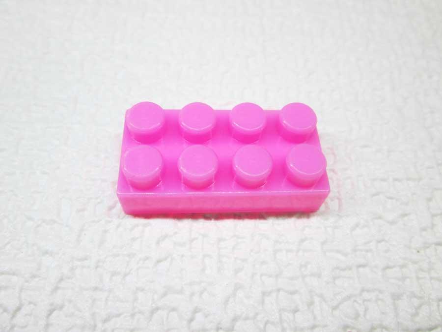 DAISO 300円 ブロック 2×4 ピンク色