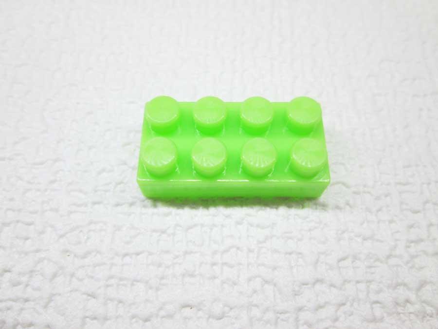 DAISO 300円 ブロック 2×4 緑色