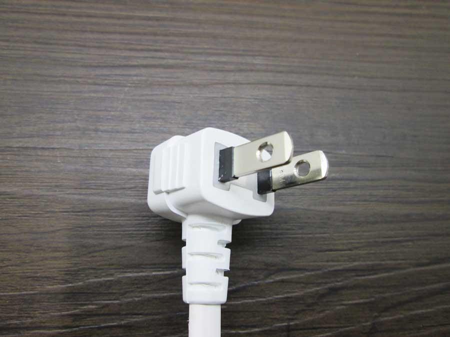 ダイソー 差込口フリータップ 電源プラグ2
