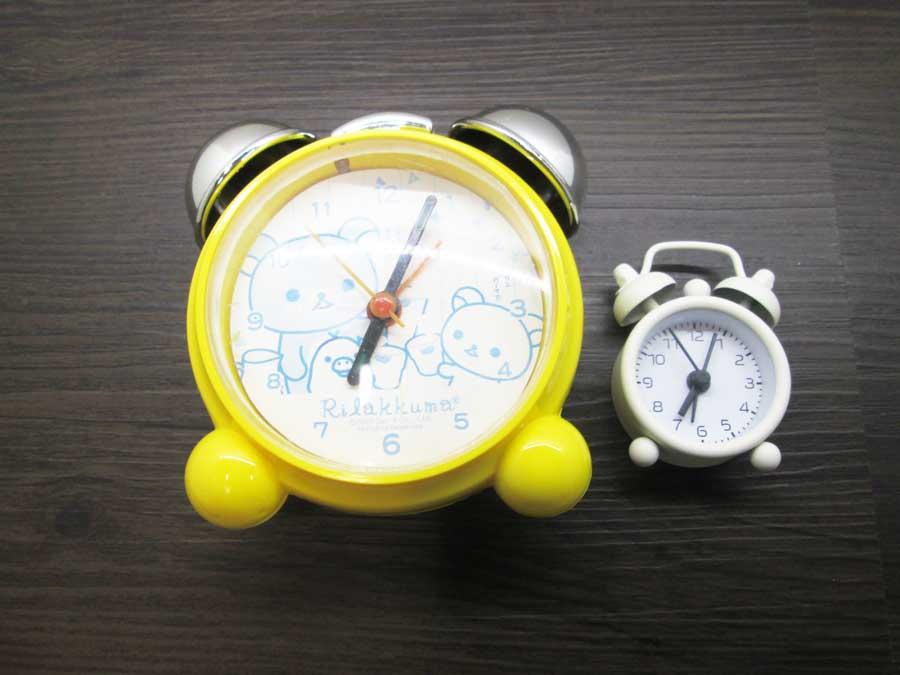ダイソー ミニ目覚まし時計 比較