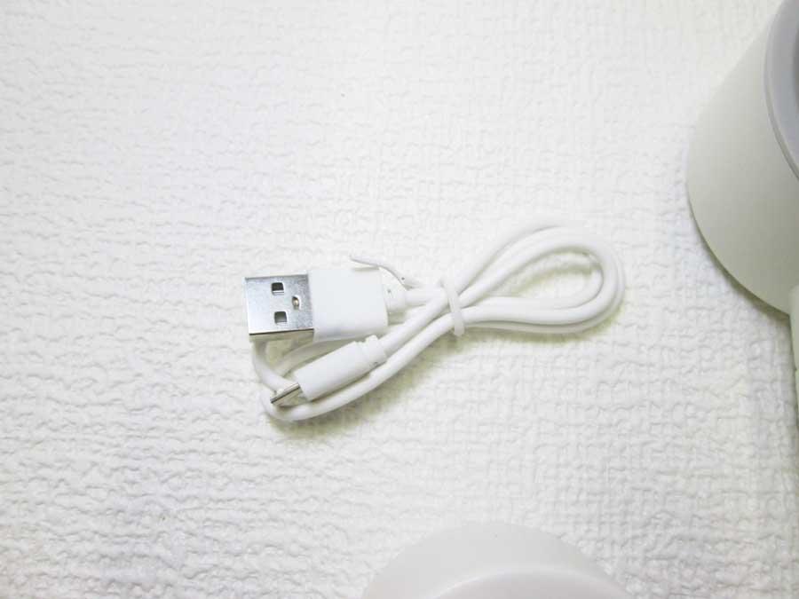 ダイソー 羽根なし扇風機 USBケーブル1