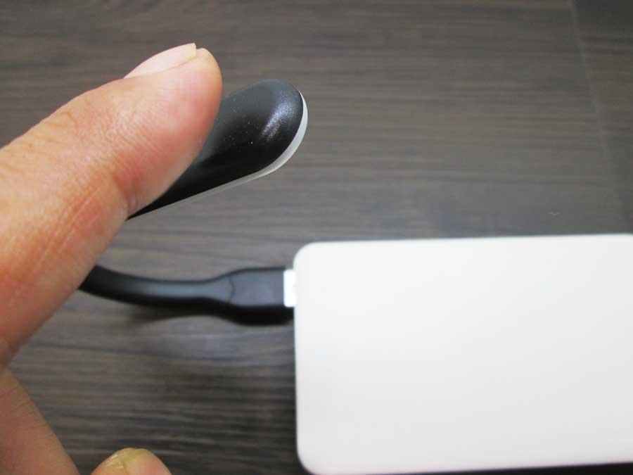 ダイソー USBタッチセンサーライト モバイルバッテリー4