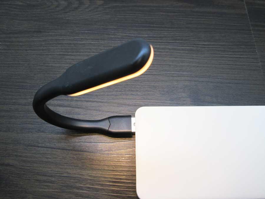 ダイソー USBタッチセンサーライト モバイルバッテリー5