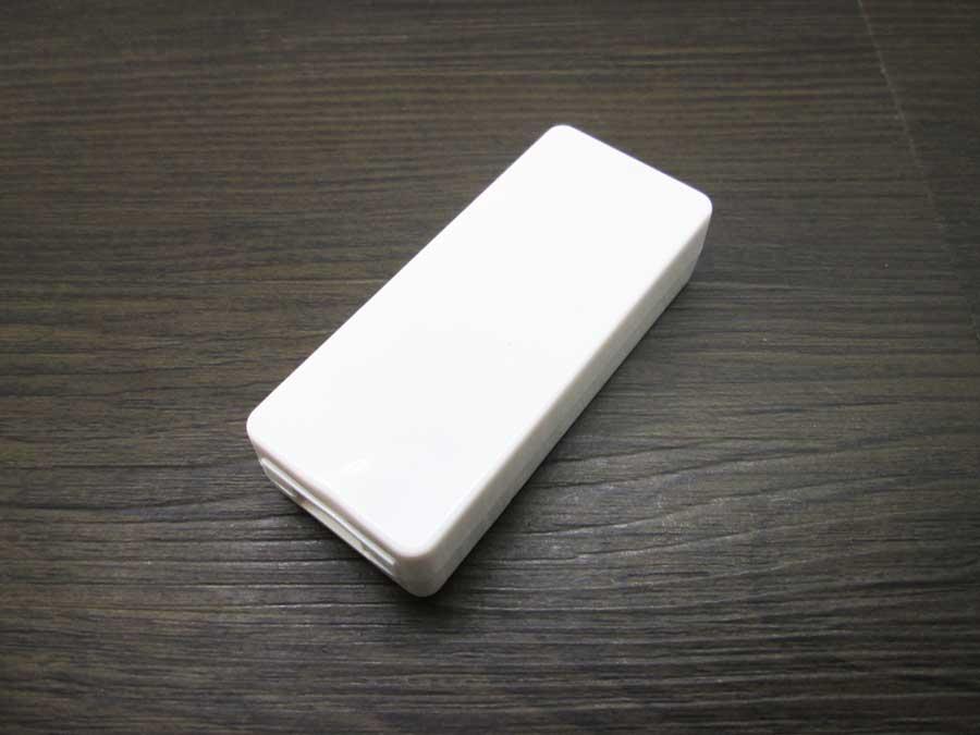 ダイソー USBタッチセンサーライト 電池式USBチャージャー1