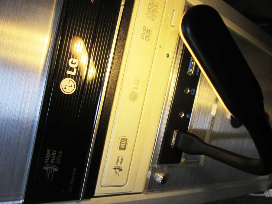 ダイソー USBタッチセンサーライト PC