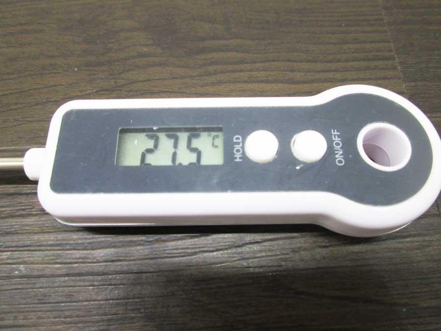 ダイソー デジタルキッチン温度計 本体7