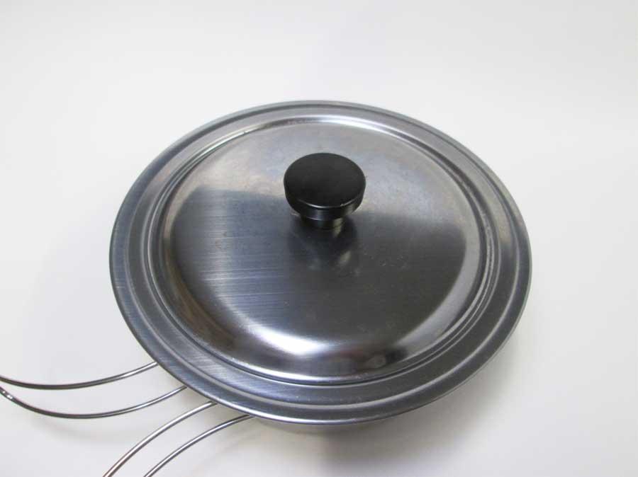 キャンドゥ 折りたたみ手付き鍋16㎝ 蓋